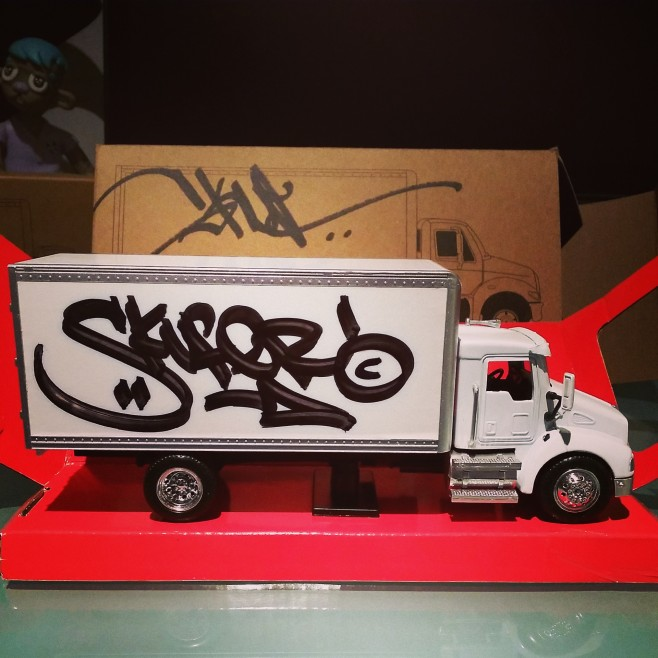 Skuf camion toys street art